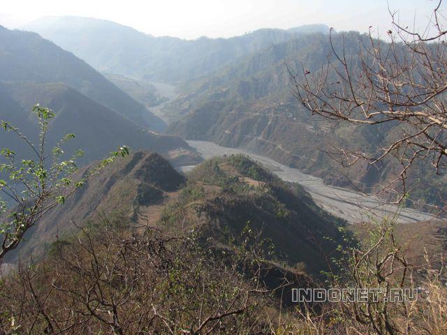 Хайдакан, горы около ашрама Бабаджи