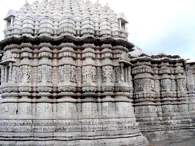 Индийские храмы - 5 самых.... Фото. Мраморный храм Ачалгарх