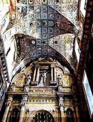 Интерьер монастыря и церкви святого Франциска Ассизского, римская- католическая