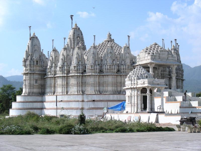 Абу, джайнский храм