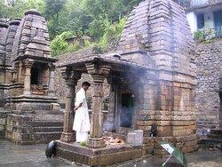 Ади Бадри, храм