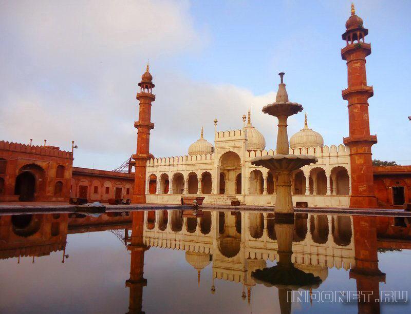 Мечеть Moti Masjid