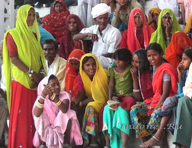 яркая одежда женщин Раджастана, фото