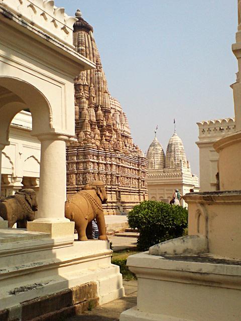 Каджурахо. Джайнский храм