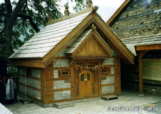 Храм в Наггаре