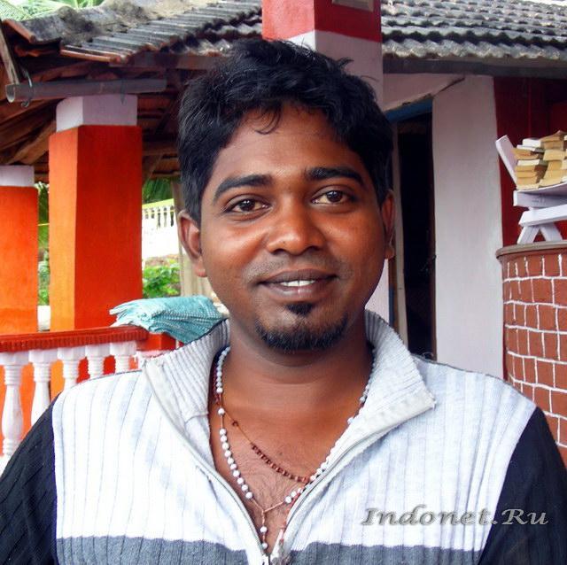 Тамильский парень. Водитель в южной Индии