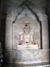 Ачалгарх. Тиртханкар