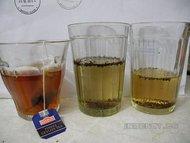 Чем красят чай?