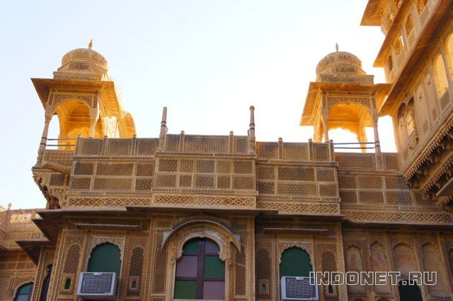India-Jaisalmer-2-haveli.jpg