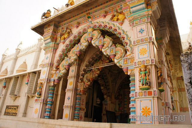 India-Jamnagar-jain-temple.jpg