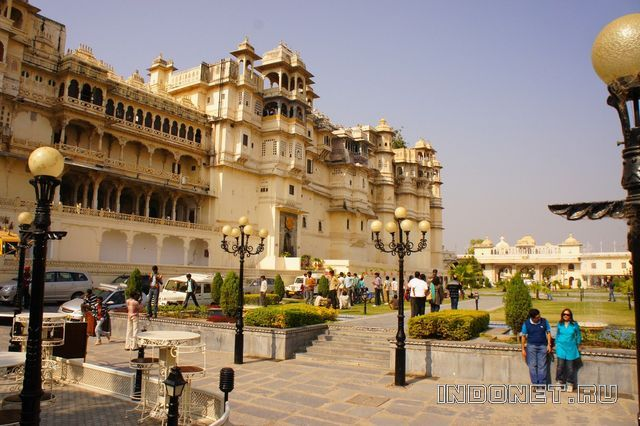 India-Udaipur_City-Palace.jpg