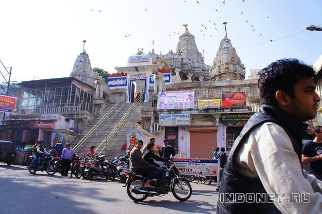 India-Udaipur_Jagdish-Temple.jpg