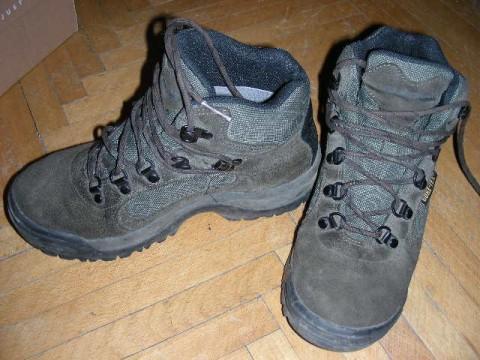 Треккинговые ботинки. Обувь для Гималаев