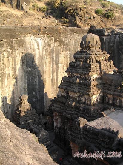 Эллора, фото крыши скального храма Кайлаш