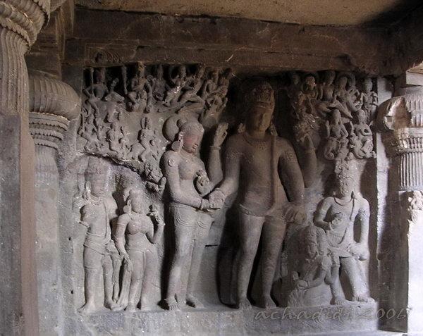 Фото индуистского скального храма Эллоры