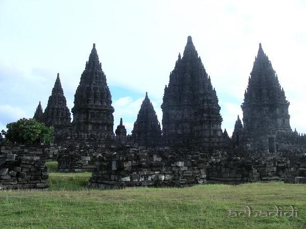 Индуистский храмовый комплекс Прамбанан