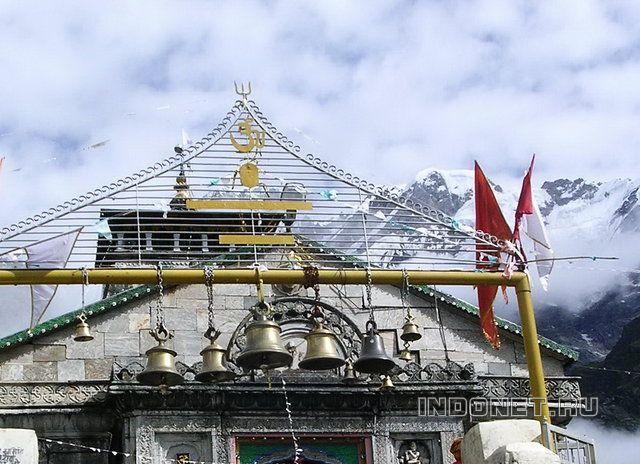 Храм Шри Кедарнатх и Гималаи
