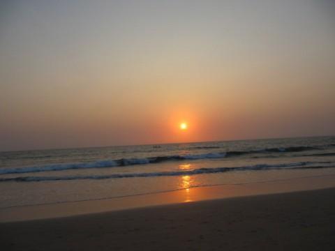 закат в Агонде