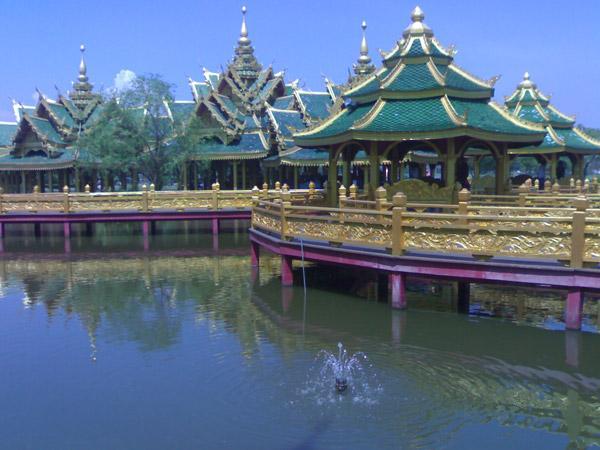 храм 500 святильников в муанг боран