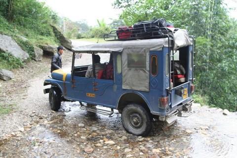 От Митрия: Суровая модификация Mahindr'ы в роли джип-такси в Сиккиме