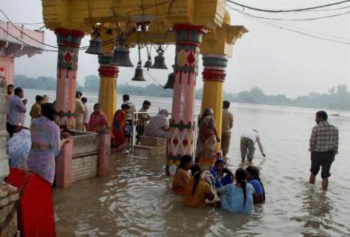 Затопленных храм в Матхуре, фото thehindu.com