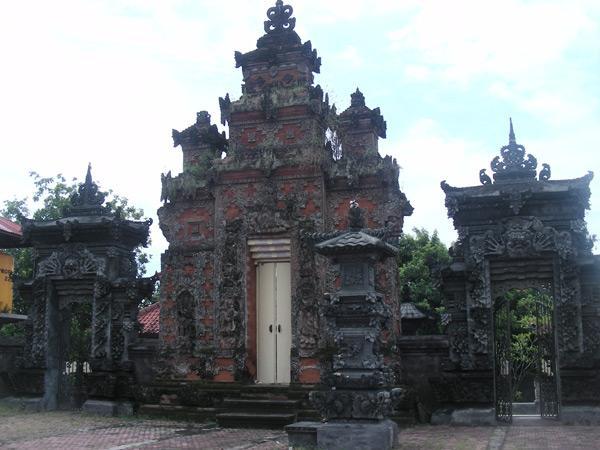 Бали,  храм деревни Банджар