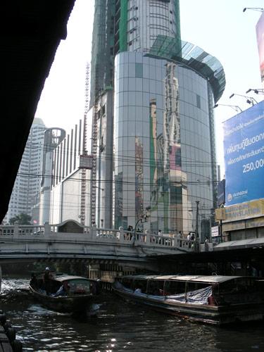 просто  небоскреб в бангкоке
