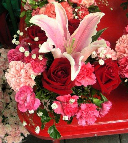 фото букетов - лилии и розы