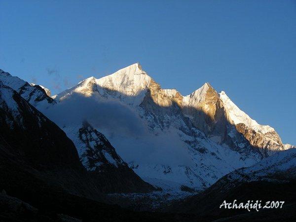 Гималаи, закат у Бхагиратхи