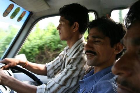От Митрия: Джип-такси на пути в Дарджилинг. На переднем сиденье Tata Spacio автор сидит четвертым!