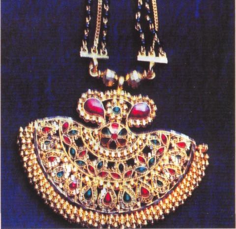 Кулон индийского брачного ожерелья