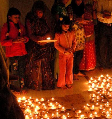 Дивали - праздник в индуистской семье Каджурахо