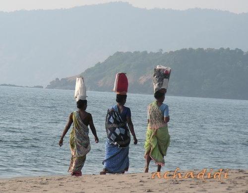 Индианки на пляже