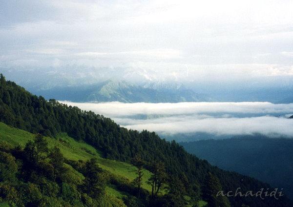 Утро. Треккинг в Гималаи