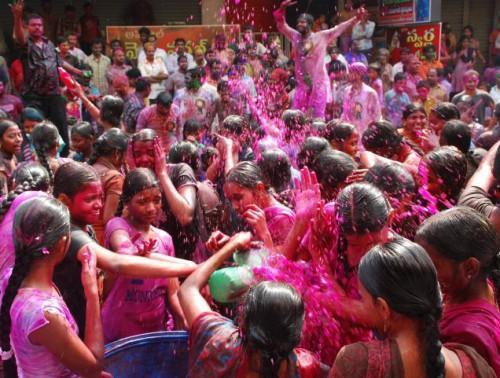 Холи в Дели, фото  G.N. Rao с thehindu.com