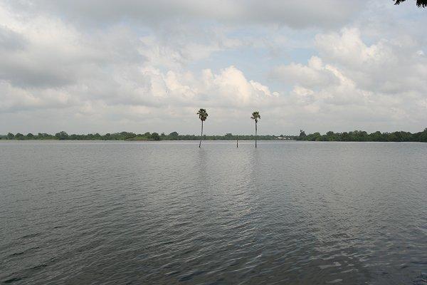 Паракрама Самудра - водохранилище XII в.