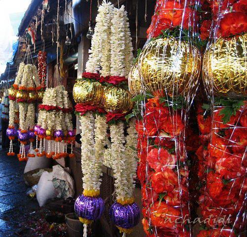 Цветочные гирлянды для индийских праздников