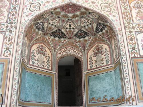 Амбер - арка входа во дворец махараджи