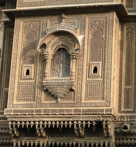 С любовью украшенный совеременный дом в Джайсалмере