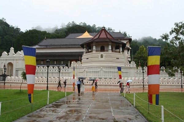 Храм Священного Зуба