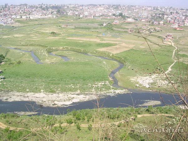 Долина Катманду. Там вдали, за рекой... Катманду... наверное