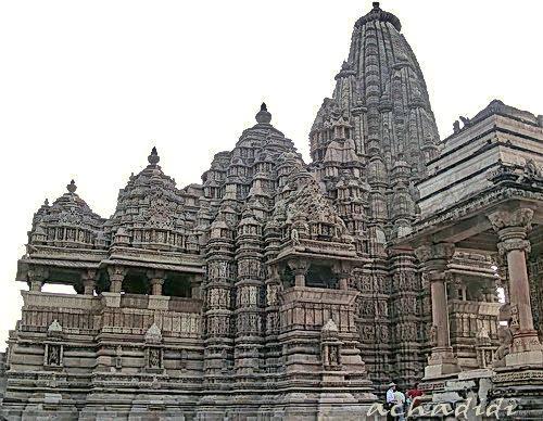 Храм в Каджурахо