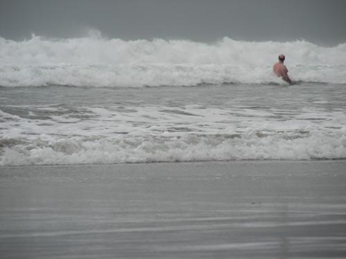 Бали, море. Волны на пляже Кута