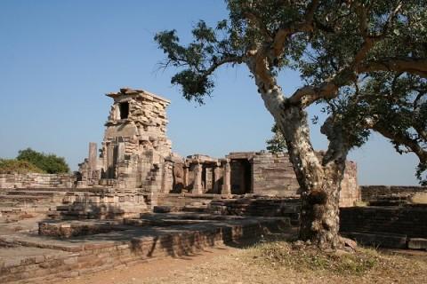Санчи. Руины монастыря