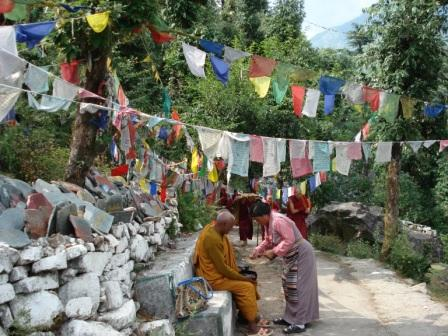 Дхарамсала, дорога к храму