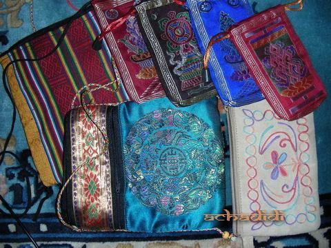 Вот непальские мешочки, ксивники и кошелечки...