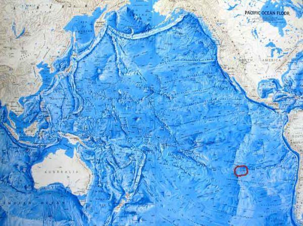 остров Пасхи или Рапа Нуи обведен красным