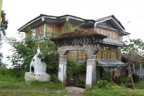 Монастырь Пемаянгцзе. Дом настоятеля