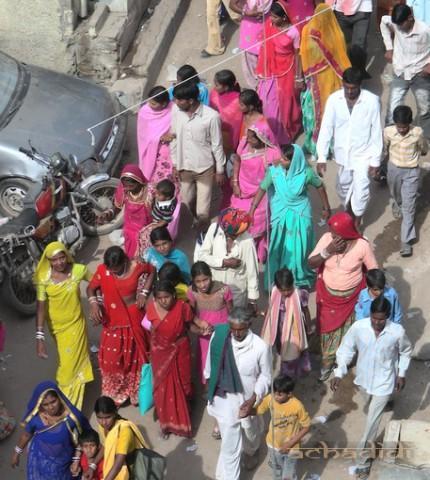 Раджастанские женщины. Фото улицы в Пушкаре