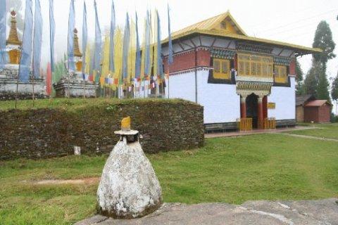 Монастырь Сангачолинг